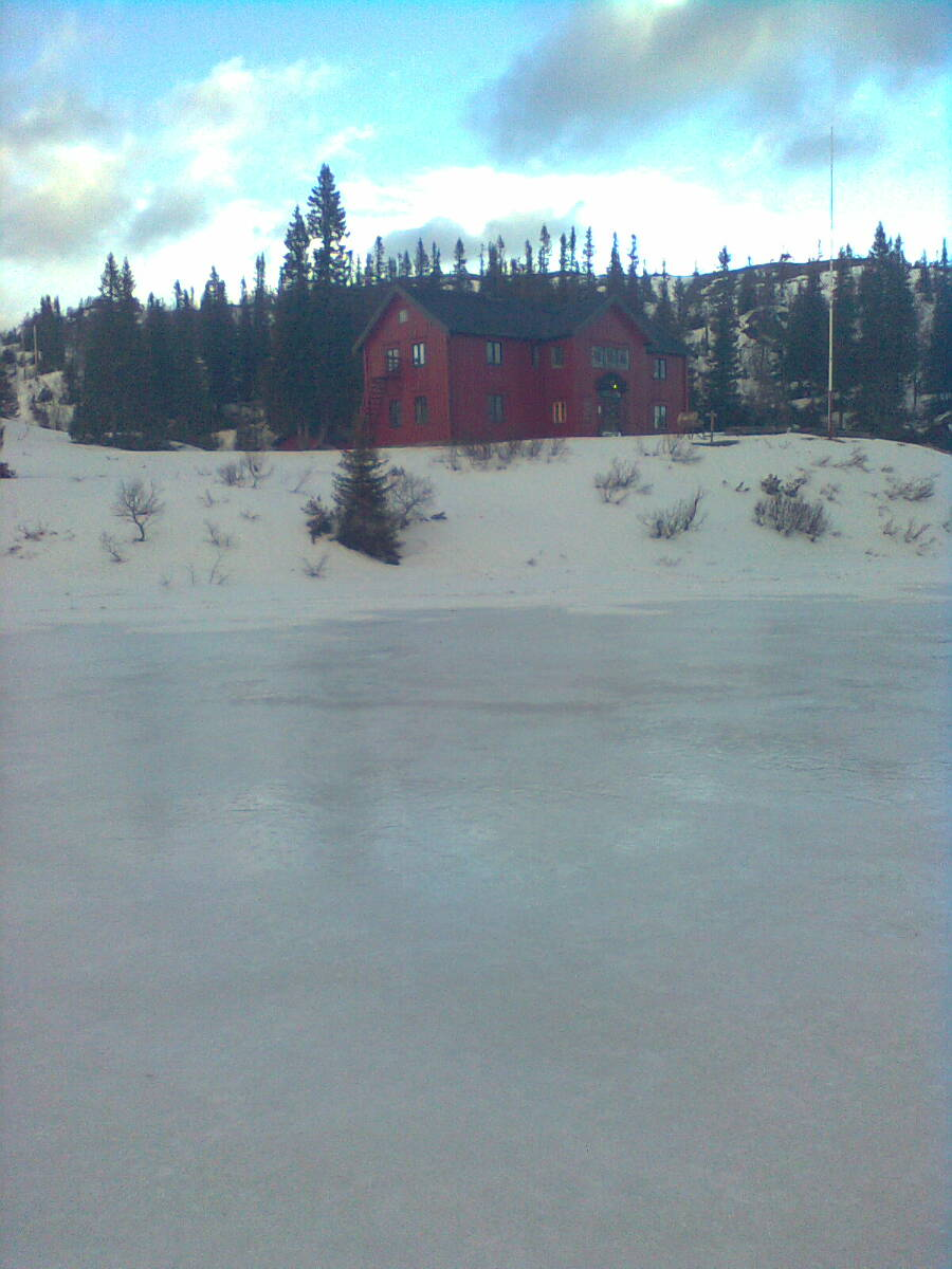 Gammelvollstuggu med is